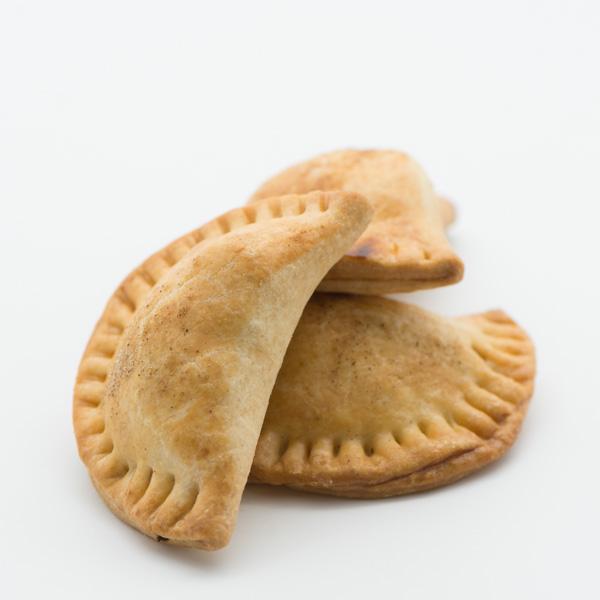 Empanadas cu cartofi telemea și cârnați