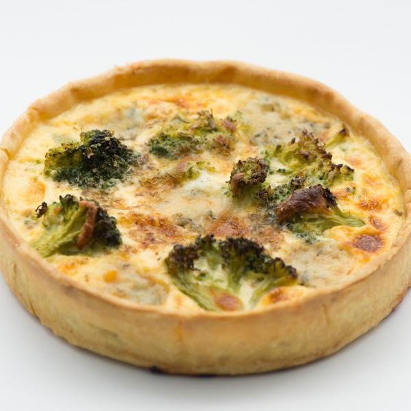 Quiche cu pui afumat și broccoli