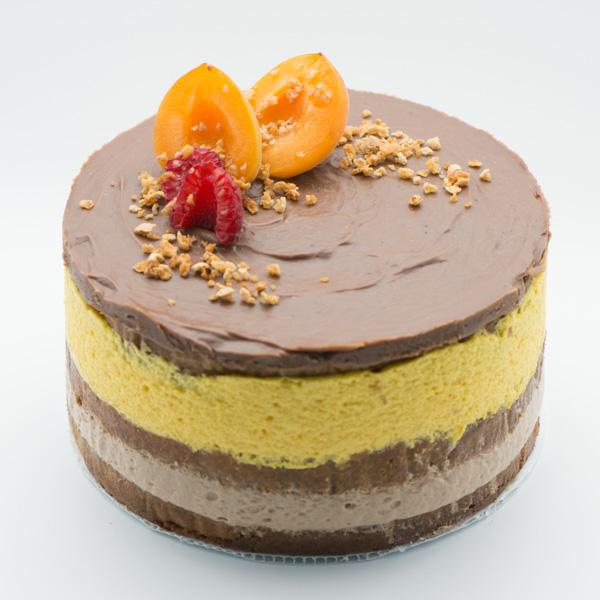 Tortul Alina cu ciocolată, mango și fructul pasiunii